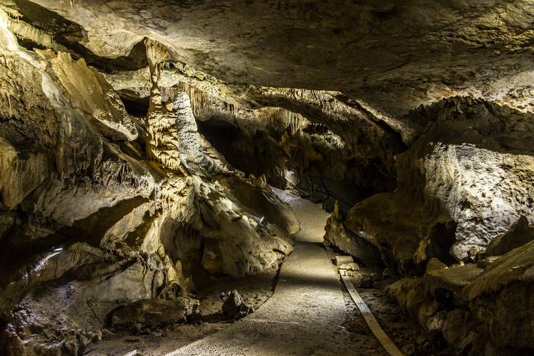 grottes-de-remouchamps.jpg