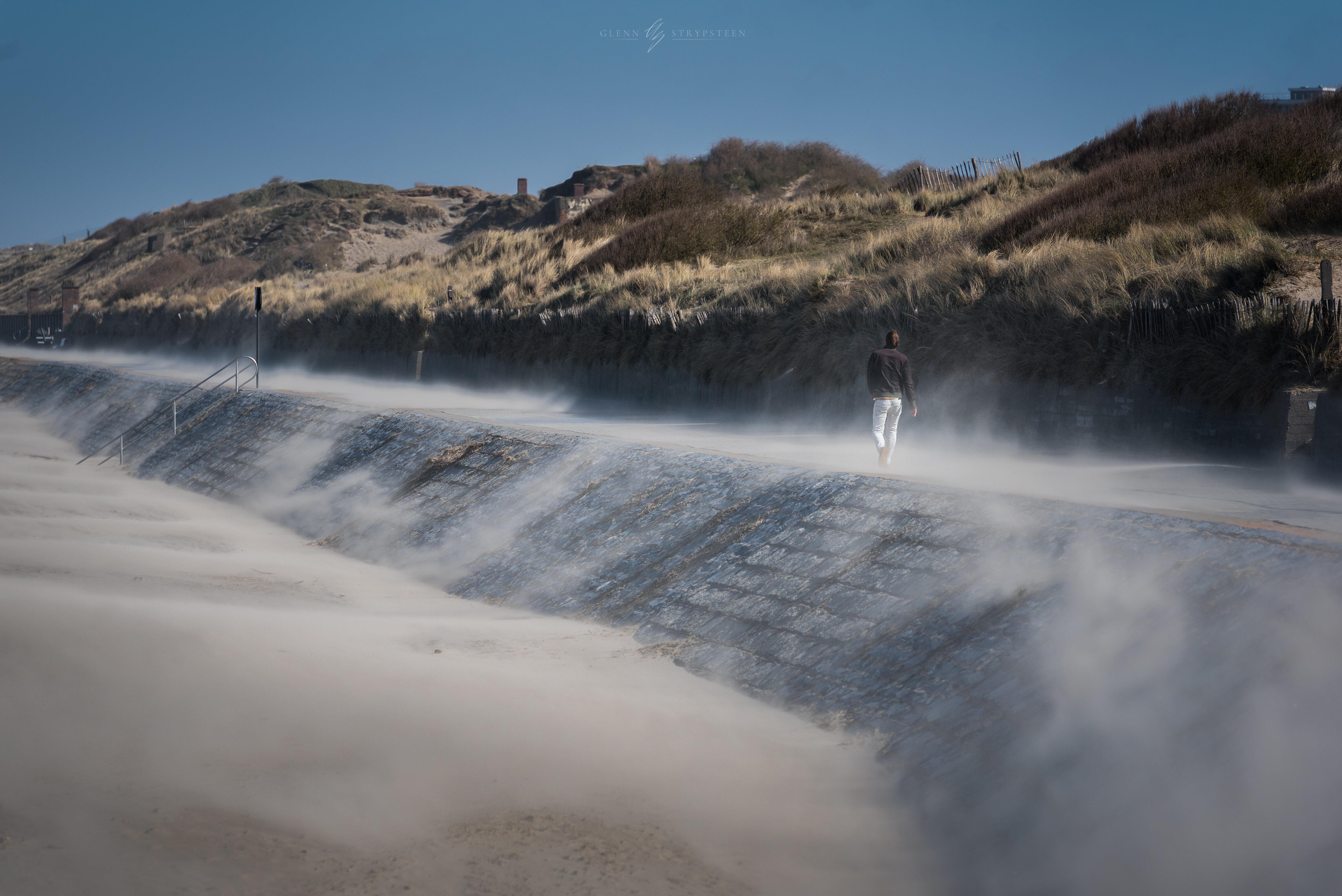 Cette photo montre l'excès de sable sur la digue Spinola